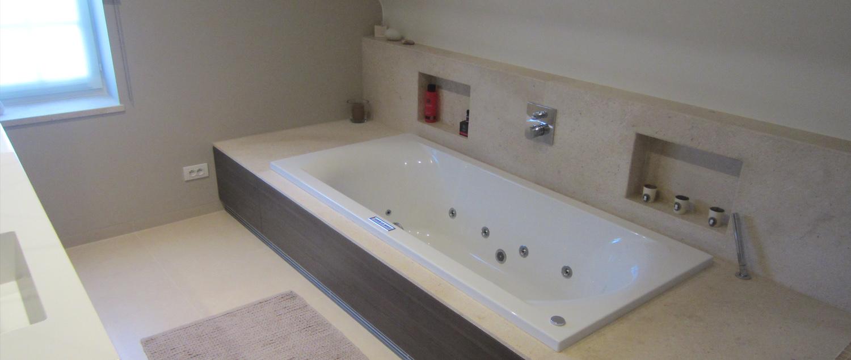 logisch dat na verloop van tijd deze ruimte een opfrissing verdient blaas je oude badkamer nieuw leven in met een badkamerrenovatie